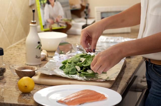 salmon in foil- tossing in garlic